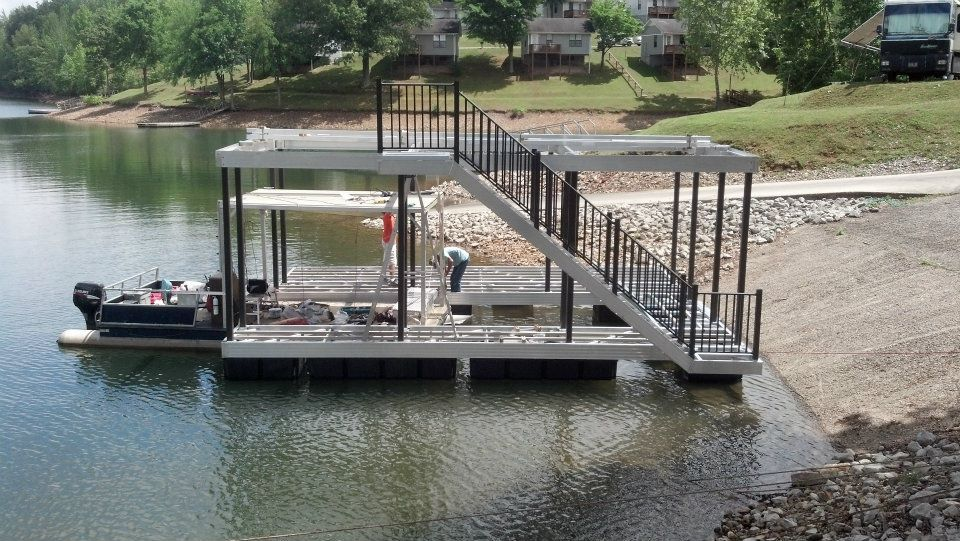 DockScapes boat dock Installation at Tims Ford