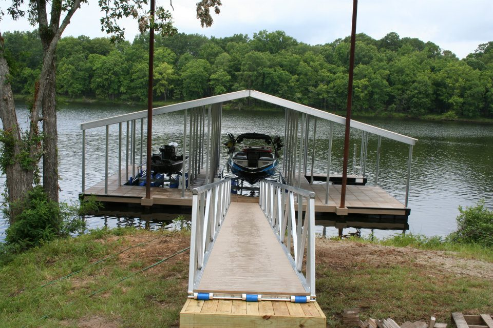 floating dock shop installs CAT5 dock