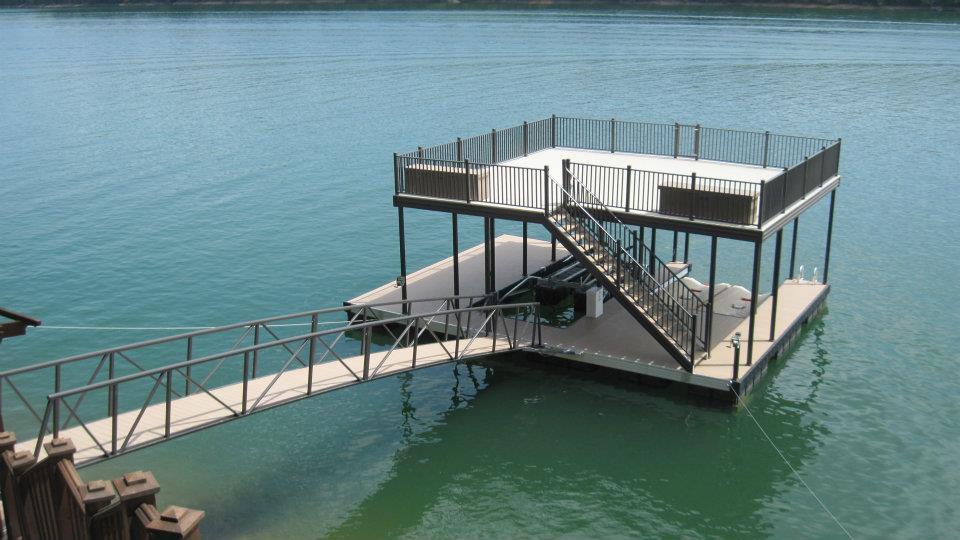upper level deck dock on CAT5 dock