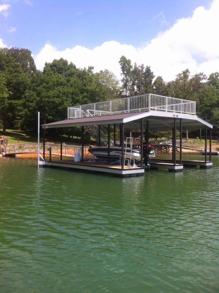 CAT3 floating dock on Lake Nottely