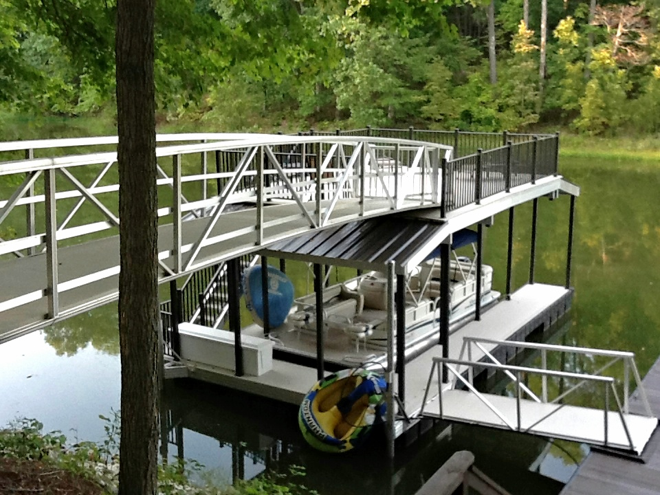 photo of orrell featured boat dock from wahoo aluminum docks
