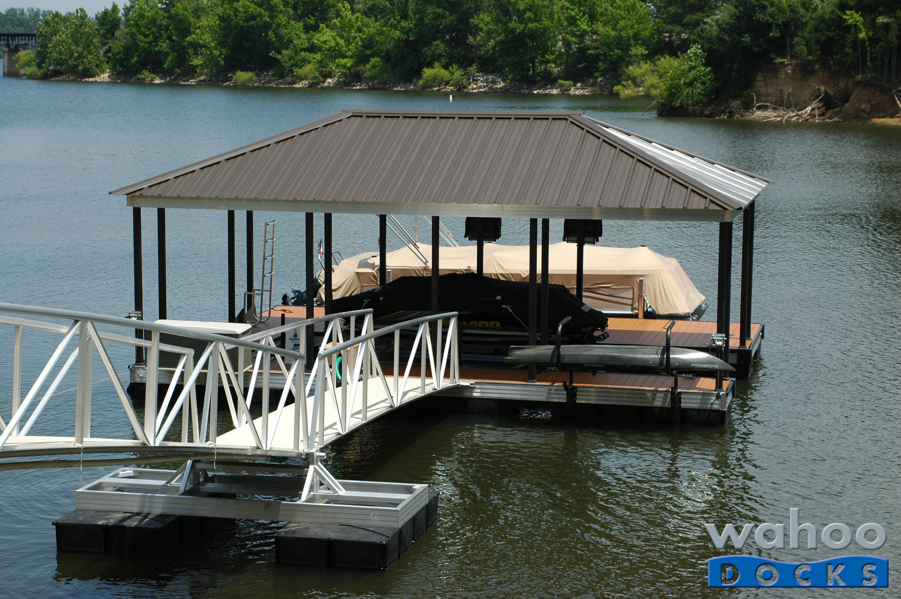 Wahoo-Dock-Garland-June-2013-3